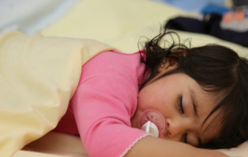 ¿Cómo preparar a los niños y niñas para el cambio de hora?