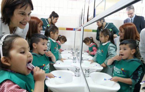 Gobierno entrega herramientas para la protección de la salud bucal en la primera infancia