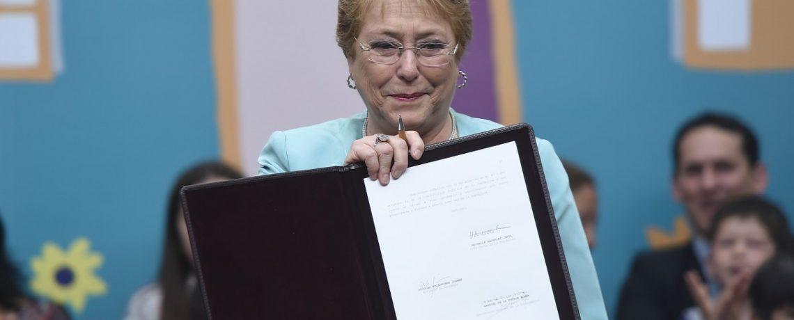 Presidenta Bachelet promulga ley que crea la Defensoría de la Niñez