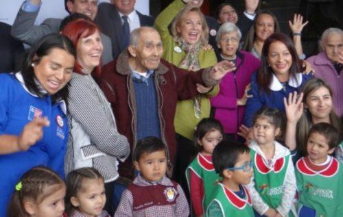 Primera Dama Cecilia Morel compartió con niños y niñas de Integra
