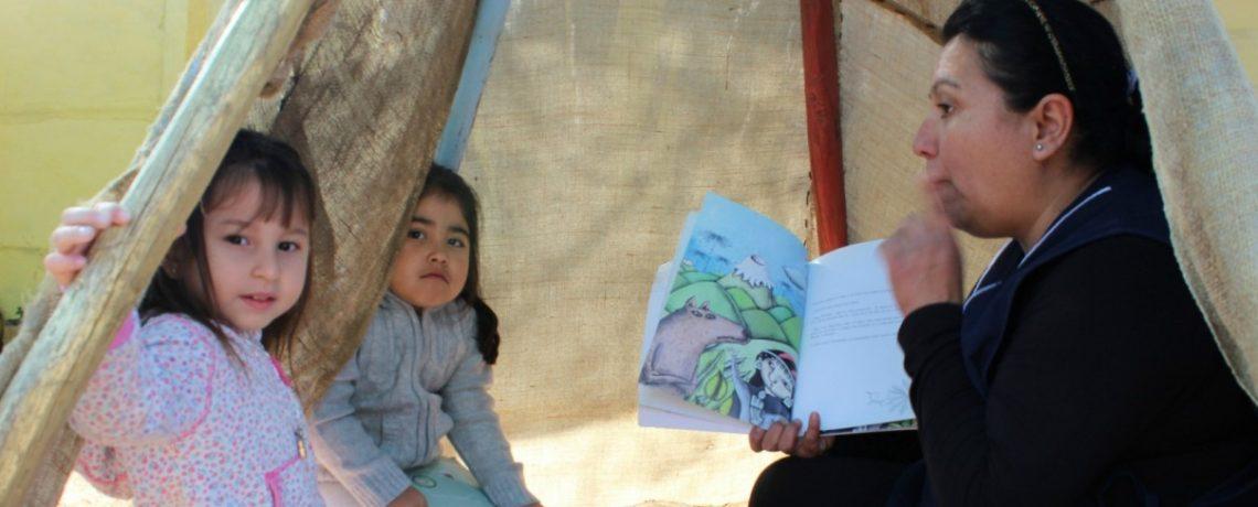 Jardín infantil de Santa María promueve la lectura incorporando la cultura local