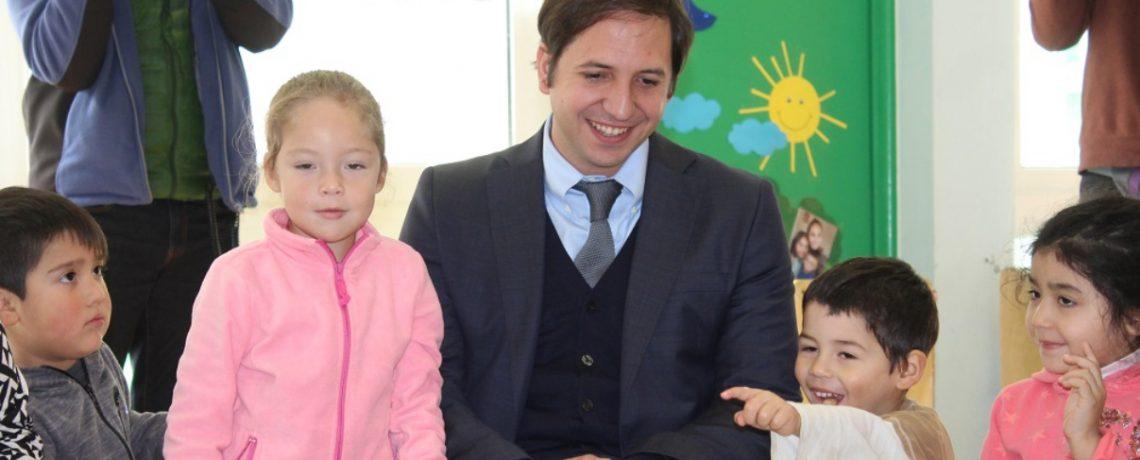 Superintendente de Educación visita jardín infantil Integra