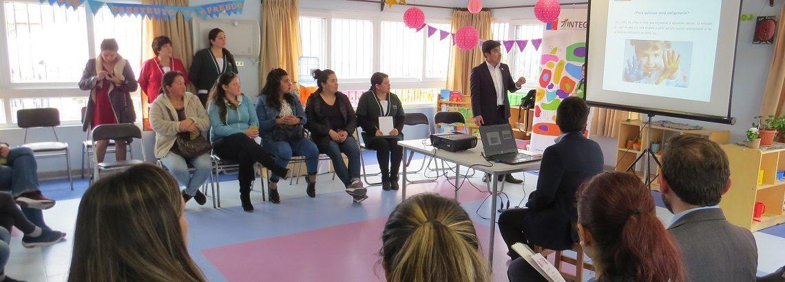 Familias se informan sobre proyecto de Kínder Obligatorio