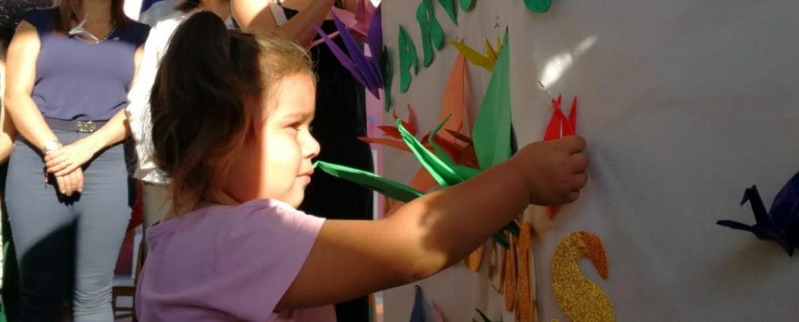 Con grullas de papel y buenos deseos parte año parvulario en Arica