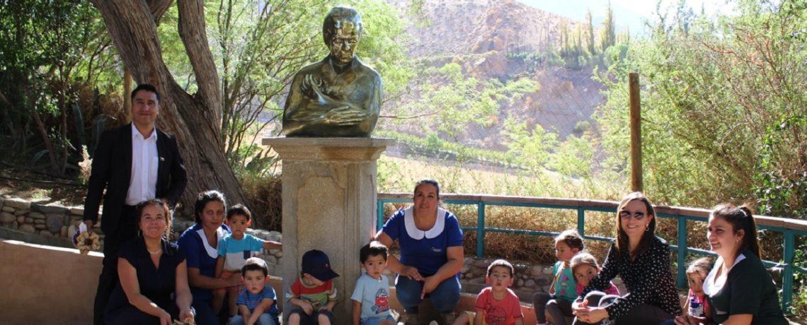 Párvulos también conmemoran el 130° natalicio de Gabriela Mistral