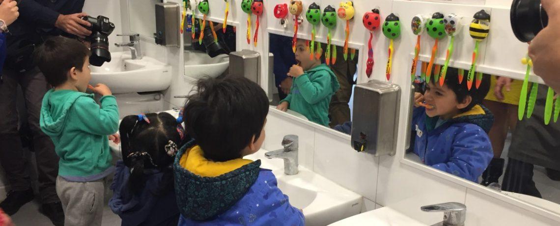 Trabajando por la salud bucal de los niños