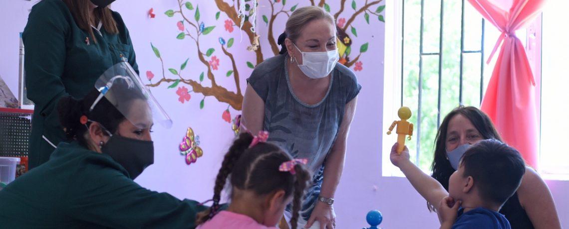 Entregan más de 5 mil kits de material educativo a niños y niñas de jardines infantiles